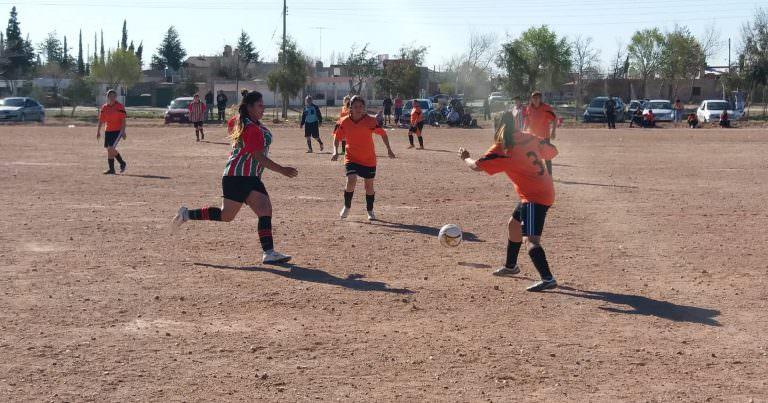 Arranca el fútbol femenino