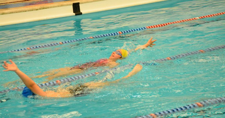 Hubo capacitación a profesores de natación en el natatorio municipal de Cutral Co
