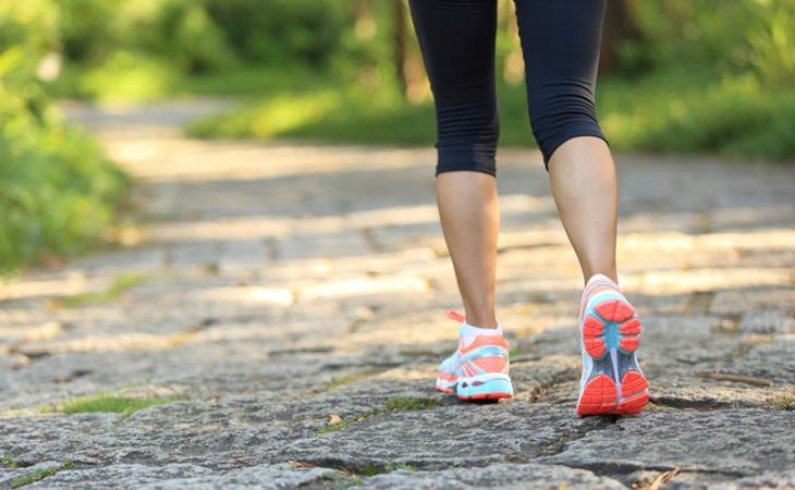 Recomendaciones de nutrición e hidratación para caminatas suaves