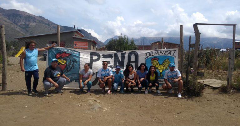 La Peña Celeste entregó las donaciones al merendero de Bariloche