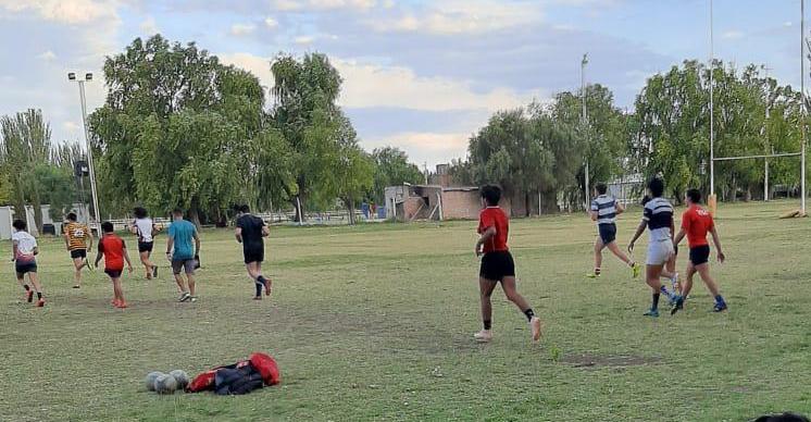 Rugby: Cinco Dinos continúan trabajando con el preseleccionado de la URAV