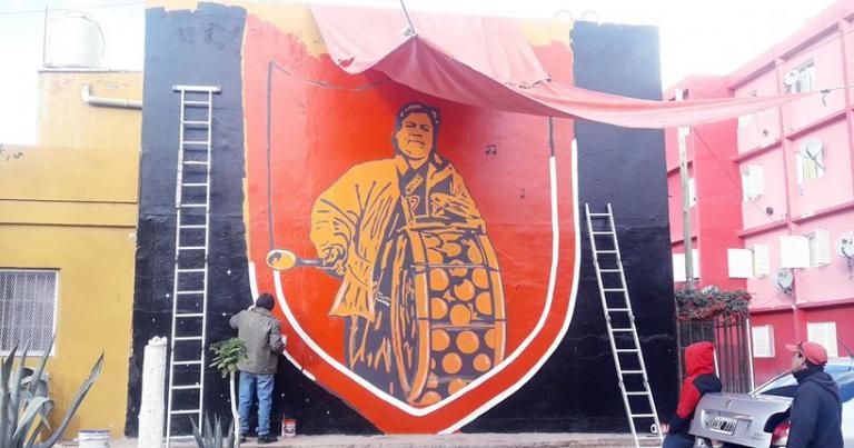 Pintaron un mural en memoria de un hincha de Petro